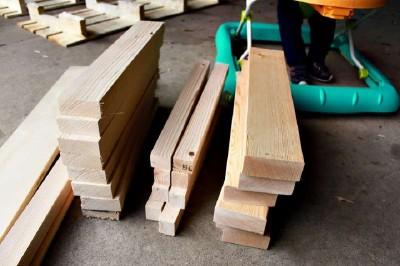 Étape par étape les instructions pour construire une étagère à chaussures utilisant des palettes9