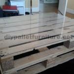 Comment faire facilement une table avec un europalletmeuble en palette meub - Construire une table avec des palettes ...