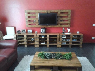 10 magnificent living rooms decorated with pallets 1