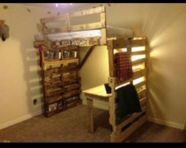 8 idées de lit superposés faits entièrement avec des palettes1