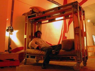 8 idées de lit superposés faits entièrement avec des palettes4