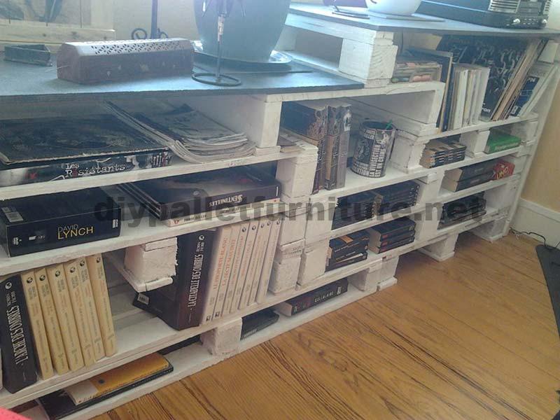biblioth que design cr avec palettesmeuble en palette meuble en palette. Black Bedroom Furniture Sets. Home Design Ideas