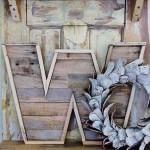 Concevoir et construire une lettre décorative utilisant des planches de palettes