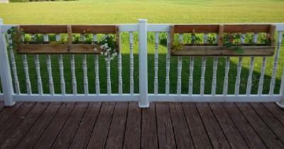 Construire 2 planteurs pour une clôture à l'aide d'une palette1
