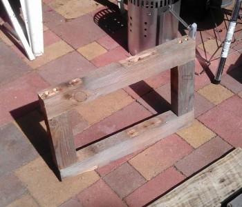 Instructions sur la façon de construire une table de chevet avec des palettes 6