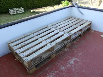 Instructions sur la façon de faire un canapé pour la terrasse à l'aide des palettes3