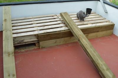 Instructions sur la façon de faire un canapé pour la terrasse à l'aide des palettes4