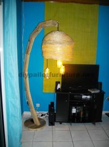 La structure de la lampe construit utilisant des planches de palettes4