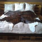 Le lit fait seulement avec 6 palettes