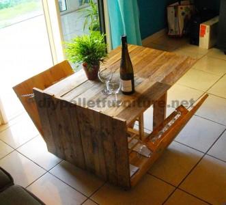 Table pliante auxiliaire pour les amateurs de vin, fait de palettes1