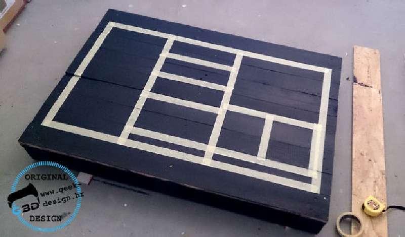 Une palette table nes fait avec 2 palettesmeuble en for Peindre une palette