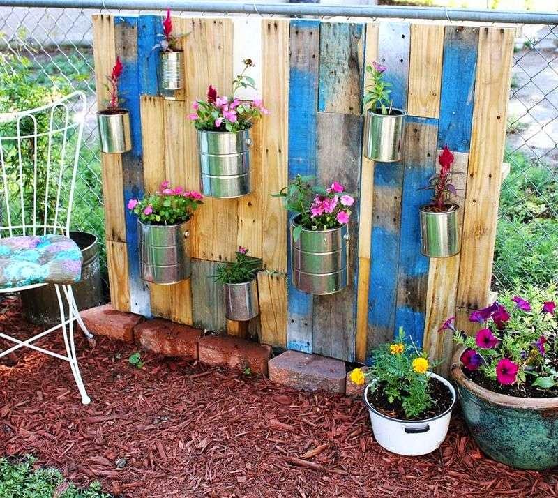 10 id es merveilleux de d coration pour votre jardin l aide de palettes 15meuble en palette for Idee deco theme jardin