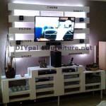 Meuble TV intégré avec des palettes