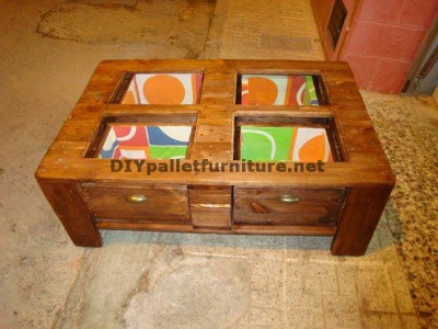 Table basse avec tiroirs inclus