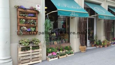 Décor urbain utilisant planteurs de palettes 3