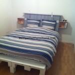 Fantastique lit et tête de lit construit avec six europalettes