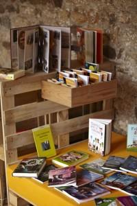 Monastère transformée en une bibliothèque temporaires grâce aux palettes 2