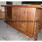 Poulailler construit avec du bois recyclé