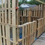 Projet de cabane de palettes: Les murs de palettes