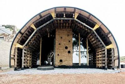 Slumtube pallet house en Afrique du Sud 1