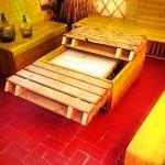 Table-coffre fait avec palettes