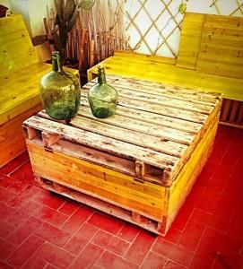 Table-coffre fait avec palettes 2