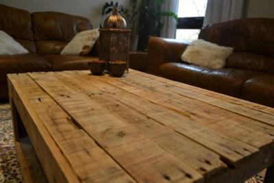 Table rustique faite avec palettes 2