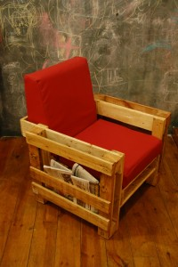 Ubik café, une librairie et un café meublé avec des objets recyclés 7