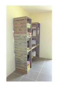 tag res et un bureau fait de palettes le tout dans. Black Bedroom Furniture Sets. Home Design Ideas