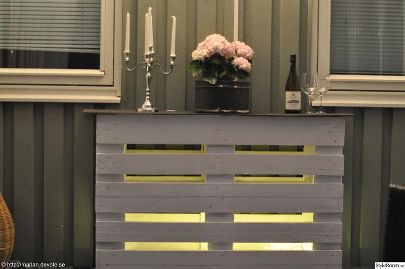 comptoir ou une table haute avec deux palettes 5meuble en palette meuble en palette. Black Bedroom Furniture Sets. Home Design Ideas