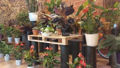Exposants pour les jardinières construits avec des palettes 5