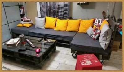 Salon entièrement meublé avec palettes 1