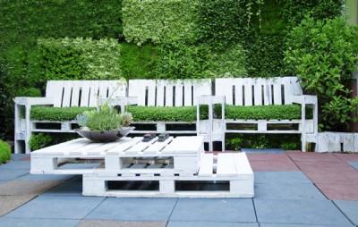 Set de table de palettes et des fauteuils pour le jardin 1