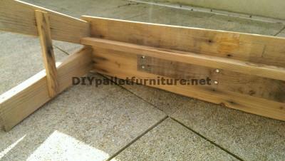 Simple banc avec planches de palettes pour votre jardin 2