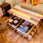Soulevez table basse avec des palettes