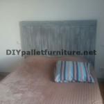 Tête de lit avec planches de palettes