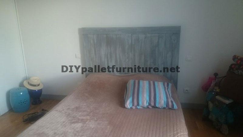 t te de lit avec planches de palettesmeuble en palette meuble en palette. Black Bedroom Furniture Sets. Home Design Ideas