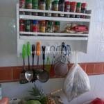 Étagère de cuisine pour les espèces avec palettes