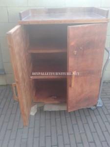 2 armoires construites avec planches de palettes 2