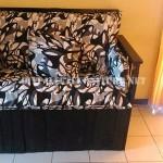 Canapé construit avec une boîte de bois recyclé
