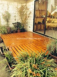 Des exemples de terrasses construites avec des palettes 5