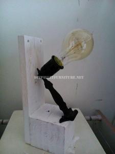 Lampes de chevet faites avec des palettes 5