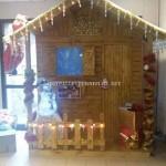 Petite maison de Noël faite avec palettes