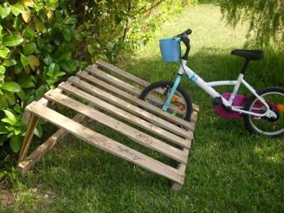 Vous ne avez pas un bon endroit pour garer votre vélo les palettes sont la solution! 4