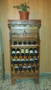 Wine racks options préparées avec des palettes 1