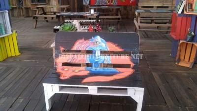 Bar décoré avec des meubles de palettes 1