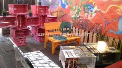 Bar décoré avec des meubles de palettes 3