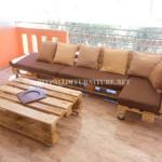 Canapé de terrasse faite avec palettes