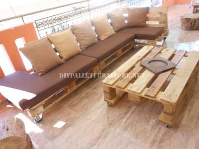 Canapé de terrasse faite avec palettes 4