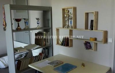 Design d'étagère construit avec des palettes planches 1